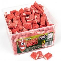 Fini Fizzy Strawberry Bricks: 250-Piece Tub